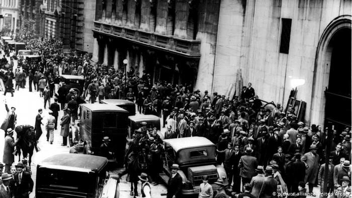 Deutsche Welle: Πόσο πιθανό είναι το σενάριο μιας Μεγάλης Ύφεσης; | tovima.gr