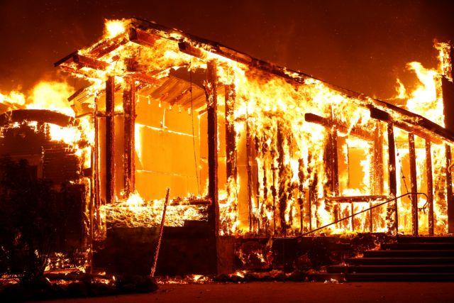 Καλιφόρνια : 180.000 άνθρωποι μακριά από τα σπίτια τους λόγω της πυρκαγιάς «Κινκέιντ» | tovima.gr