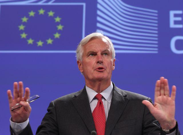 Μπαρνιέ: Υπαρκτός ο κίνδυνος ενός no-deal Brexit | tovima.gr