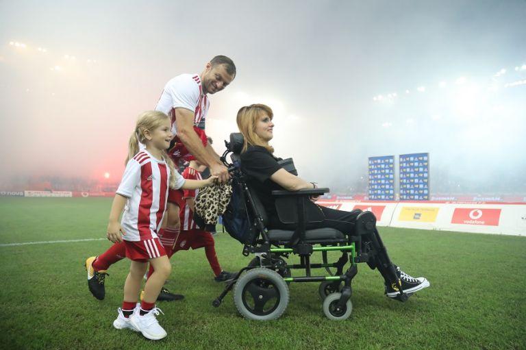 Μητέρα Μυρτούς : Στο Καραΐσκάκη ζήσαμε κάτι πολύ όμορφο, ήταν πολύ συγκινητικό | tovima.gr