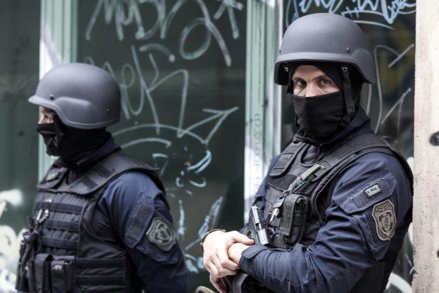Δύο προσαγωγές για τα επεισόδια στα Εξάρχεια | tovima.gr