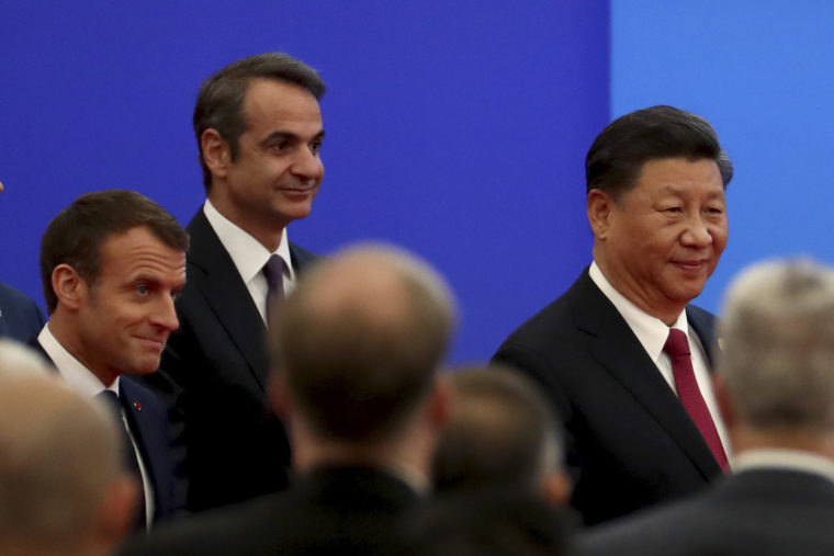 Mitsotakis pushes to lure Chinese investment, says 'Greece is open for business' | tovima.gr