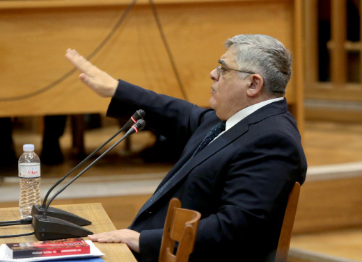 Golden Dawn leader at his trial gives Nazi salute in court,denies link to Fyssas murder | tovima.gr