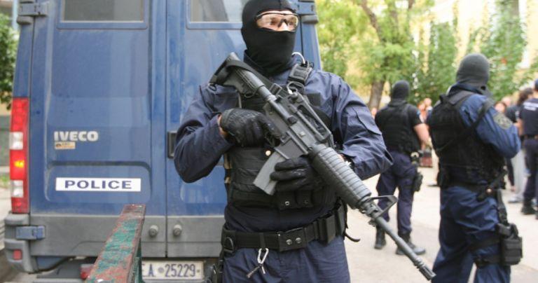 Μεγάλη επιχείρηση της Αντιτρομοκρατικής στην Αττική – 3 συλλήψεις | tovima.gr