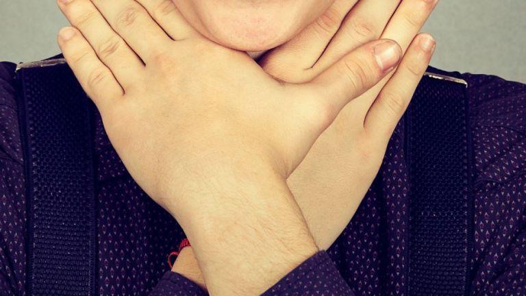 «Παιχνίδι του πνιγμού» :  Τι λέει ο θείος του 12χρονου που κινδύνεψε | tovima.gr