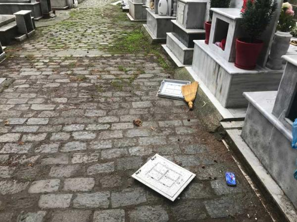 Bανδάλισαν δεκάδες τάφους στα δημοτικά κοιμητήρια στην Καβάλα | tovima.gr