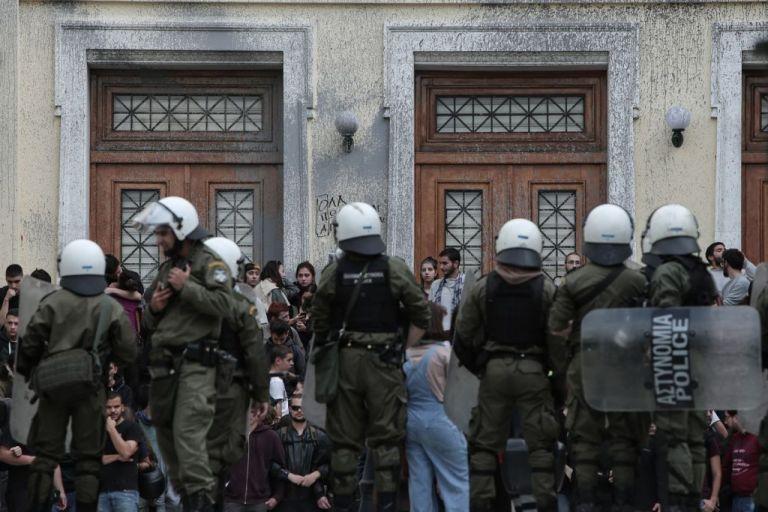 Ο ΣΥΡΙΖΑ βγαίνει ξανά στους δρόμους με αφορμή τα επεισόδια στην ΑΣΟΕΕ | tovima.gr