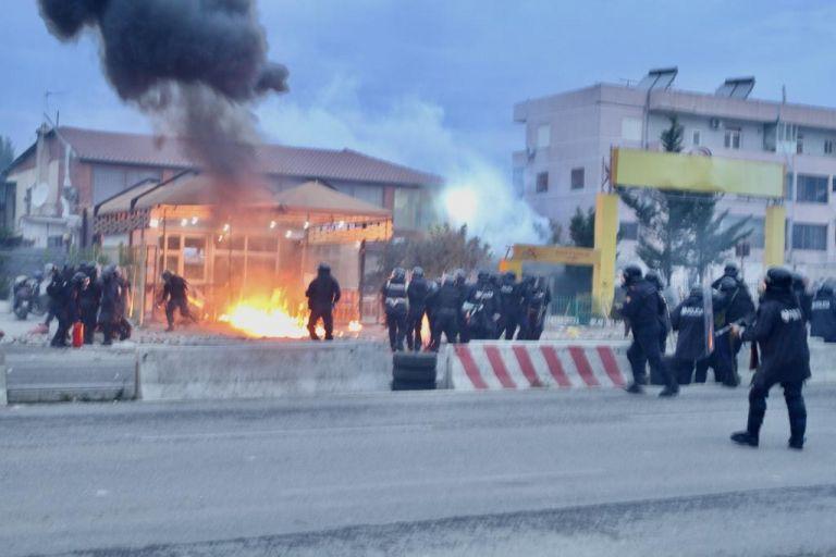 Αλβανία: Η κυβέρνηση κατεδαφίζει σπίτια | tovima.gr