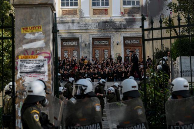 Πολυτεχνείο: Η πιο μεγάλη ώρα για την κυβέρνηση Μητσοτάκη | tovima.gr