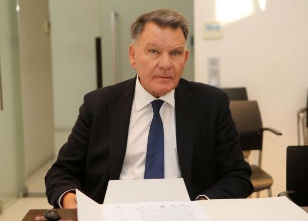 Κούγιας : Αναλαμβάνω αμισθί την ΕΠΟ αν συμφωνούν οι «τέσσερις» | tovima.gr
