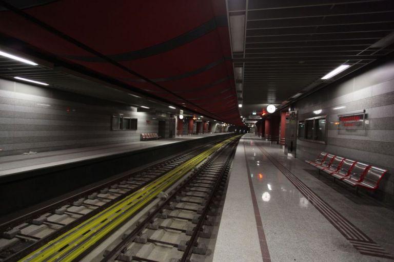 Άνοιξε το κέντρο και οι σταθμοί του Μετρό | tovima.gr