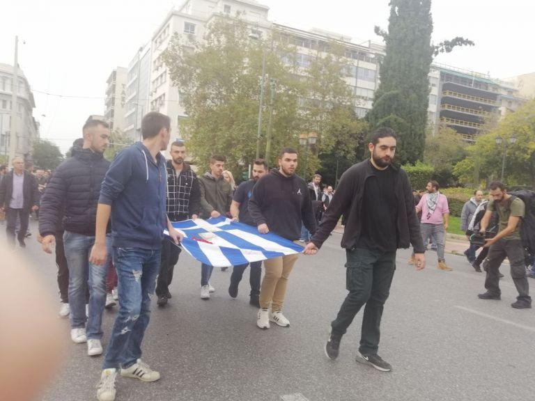 Πολυτεχνείο : Σε εξέλιξη η πορεία προς την αμερικανική πρεσβεία [συνεχής ενημέρωση] | tovima.gr
