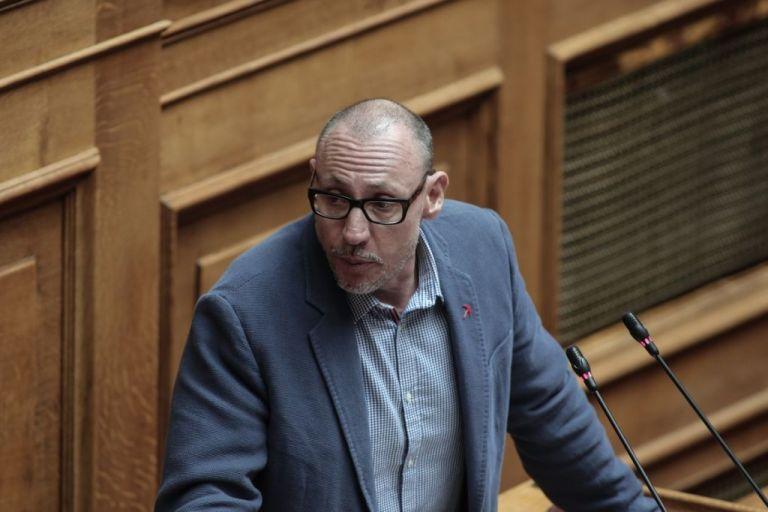Κλέων Γρηγοριάδης: Τα ΜΑΤ στα Εξάρχεια δε σεβάστηκαν το δικαίωμα της ιδιοκτησίας | tovima.gr