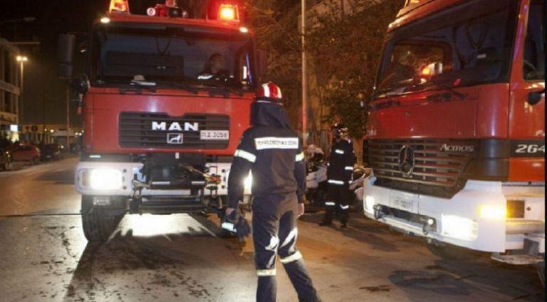 Φωτιά σε κτίριο στην Πατησίων | tovima.gr
