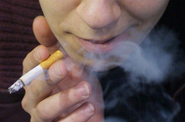 Ο αντικαπνιστικός νόμος έφερε τα πρώτα πρόστιμα | tovima.gr