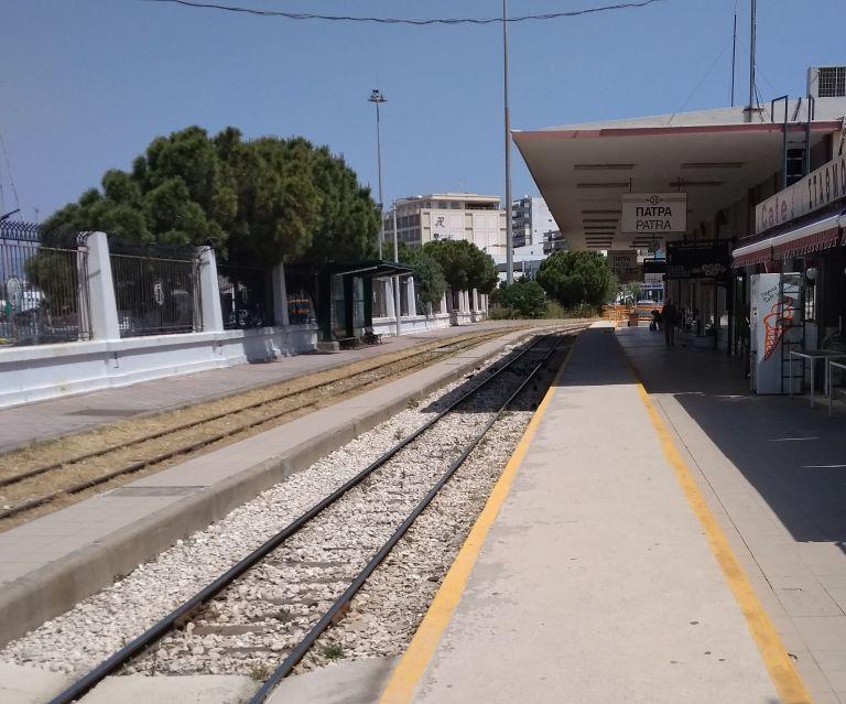 Στα «χαρακώματα» για τη διέλευση του τρένου στην Πάτρα | tovima.gr