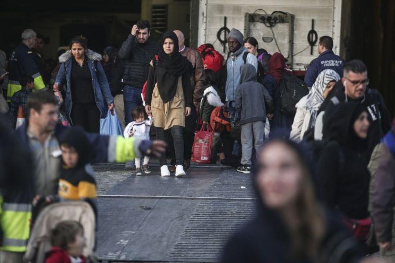 Ελληνικό Συμβούλιο για τους Πρόσφυγες: Εκτός διεθνούς δικαίου οι εξαγγελίες της κυβέρνησης για το προσφυγικό | tovima.gr