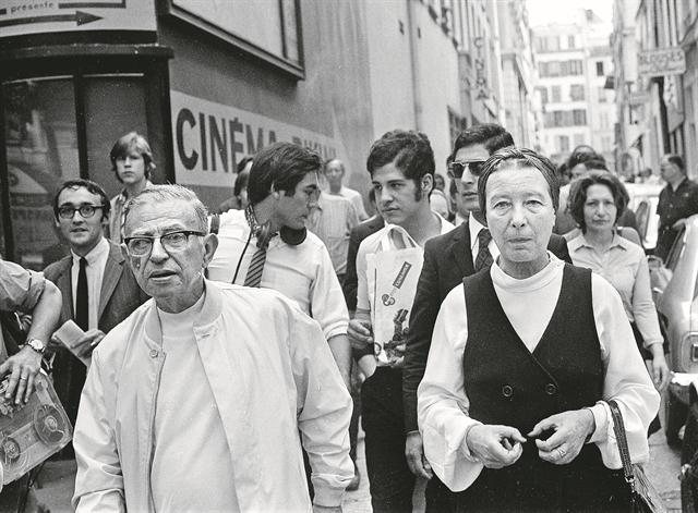 Σιμόν ντε Μποβουάρ : Οι άγνωστες πτυχές μιας συναρπαστικής ζωής | tovima.gr