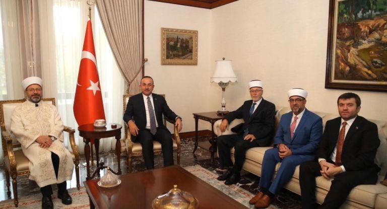 Τσαβούσογλου: Θα προστατεύουμε την τουρκική μειονότητα στην Ελλάδα | tovima.gr