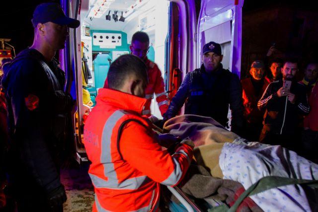Αλβανία : Η ΕΜΑΚ διέσωσε δύο ανθρώπους από τα συντρίμμια του φονικού σεισμού | tovima.gr