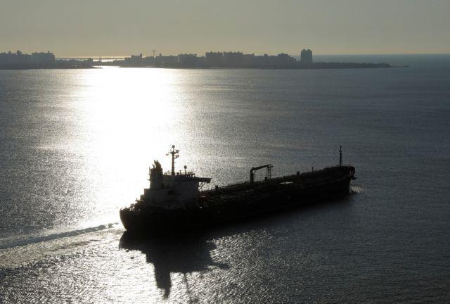 Αγωνία για την τύχη του έλληνα ναυτικού : Συνεχίζονται οι διαπραγματεύσεις με τους απαγωγείς | tovima.gr