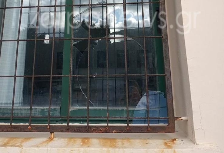 Άγνωστοι «γάζωσαν» σχολείο στα Χανιά | tovima.gr
