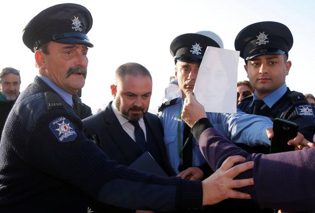 ΕΕ προς Μάλτα: Άμεσα να παραιτηθεί ο πρωθυπουργός | tovima.gr