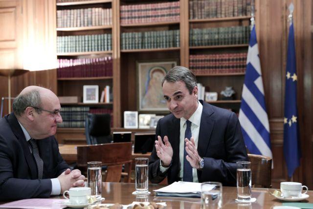 Μεταναστευτικό: Νέο σύστημα ασύλου στη συνάντηση Μητσοτάκη-διευθυντή ΔΟΜ | tovima.gr
