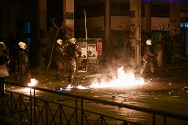 Επέτειος Γρηγορόπουλου: Επεισόδια στα Εξάρχεια και τους γύρω δρόμους | tovima.gr
