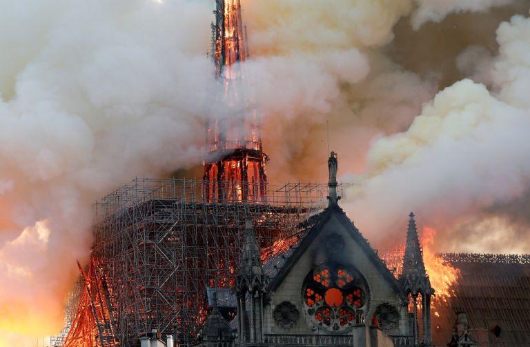 Παναγία των Παρισίων: η πυρκαγιά στον ιστορικό ναό συγκέντρωσε τα περισσότερα tweets | tovima.gr