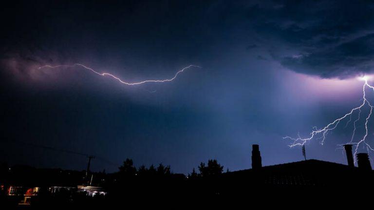 Επιδείνωση του καιρού με ισχυρές βροχές και καταιγίδες | tovima.gr