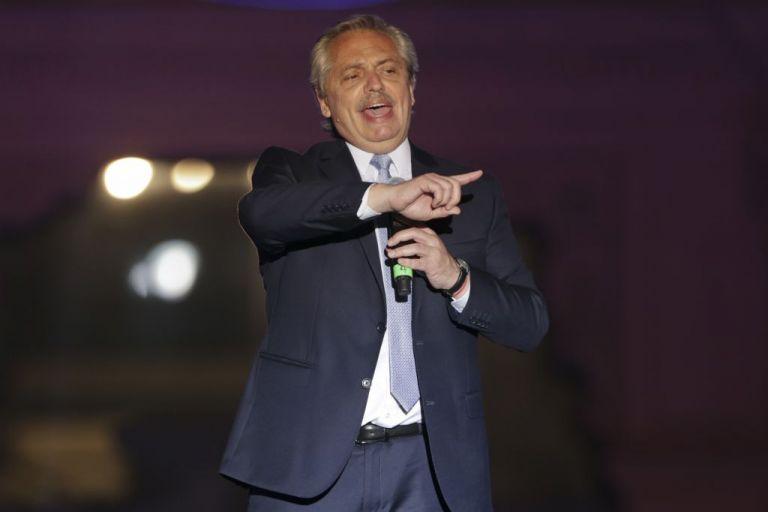 Αργεντινή: Ο Φερνάντες επιβεβαίωσε στάση πληρωμών   tovima.gr
