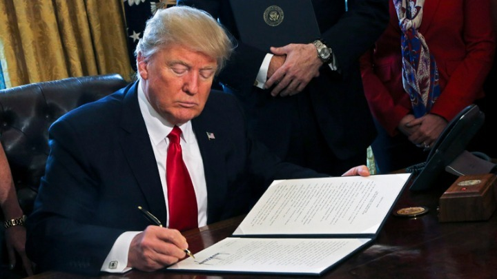 American Chambers celebrate Trump's signing of EastMed Act | tovima.gr