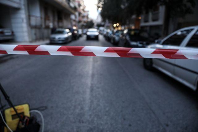 Θρίλερ στα Πετράλωνα : «Σκότωσα τον νονό μου και τον πέταξα στα σκουπίδια» | tovima.gr
