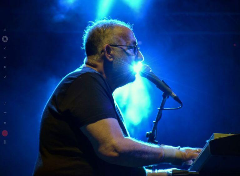 Θάνος Μικρούτσικος: Εξαντλήθηκαν τα εισιτήρια για την συναυλία στο Μέγαρο Μουσικής | tovima.gr