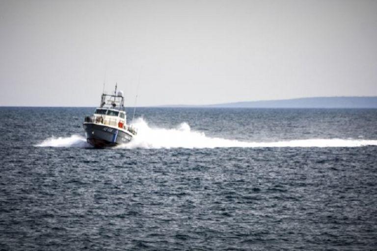 Επιχείρηση του λιμενικού για τον εντοπισμό ναυτικού ανοιχτά των Κυθήρων | tovima.gr