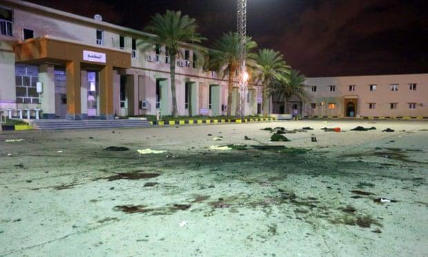 Λιβύη: Δεκάδες νεκροί έπειτα από αεροπορική επιδρομή στην Τρίπολη | tovima.gr