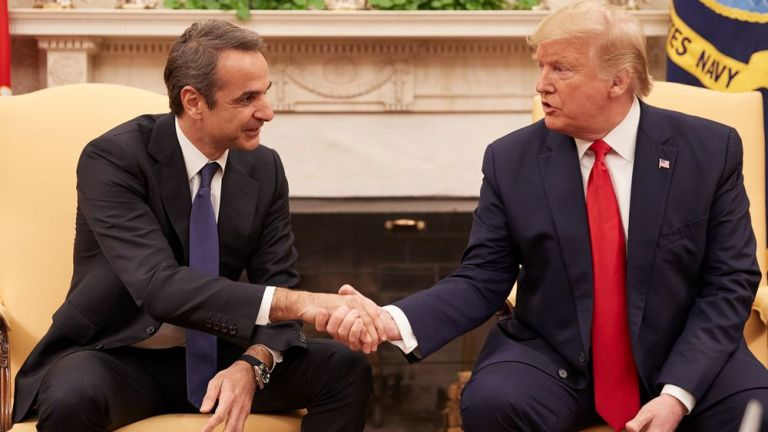 Trump extols Greek economic recovery at meeting with Mitsotakis | tovima.gr