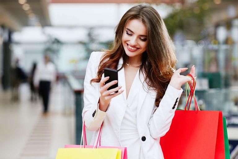 Πόσο σημαντικό είναι το κινητό τηλέφωνο όταν κάνεις shopping; | tovima.gr