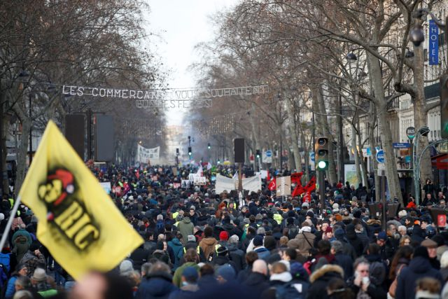 Γαλλία: Σε υποχώρηση ο Μακρόν για το συνταξιοδοτικό – 38η ημέρα απεργίας   tovima.gr