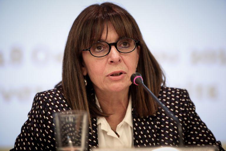 Πρόεδρος γένους θηλυκού, όπως και η Δημοκρατία | tovima.gr
