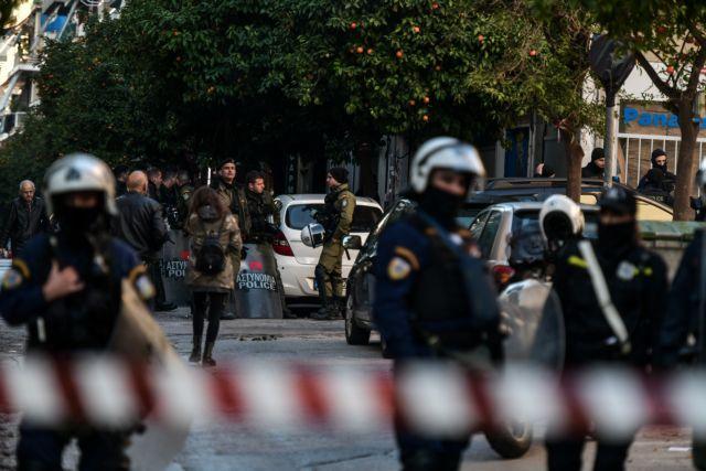 Ενταση στο υπ. Ανάπτυξης – Διαμαρτυρία εργαζομένων στα ναυπηγεία | tovima.gr