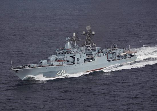 Ρωσικό αντιτορπιλικό στο λιμάνι του Πειραιά   tovima.gr