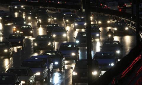 Κυκλοφοριακά προβλήματα στην Παραλιακή μετά από τροχαίο | tovima.gr