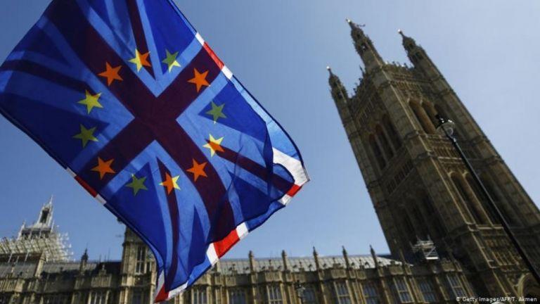 Βρετανία: Πώς θα αποδεικνύουν το δικαίωμα παραμονής οι Ευρωπαίοι πολίτες   tovima.gr