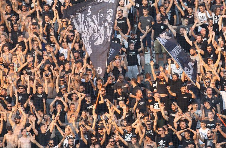 Κλήθηκαν σε απολογία οχτώ ομάδες της Super League | tovima.gr
