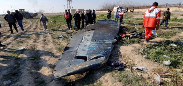 Δύο πύραυλοι εκτοξεύθηκαν εναντίον του Boeing 737 των ουκρανικών αερογραμμών | tovima.gr