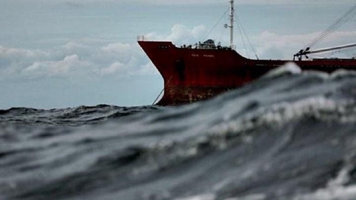 Ακυβέρνητο φορτηγό πλοίο πλέει μεταξύ Καλύμνου-Αστυπάλαιας | tovima.gr