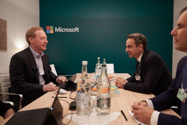 Οι προτάσεις Μητσοτάκη στον πρόεδρο της Microsoft – Τι συζήτησαν στο Νταβός | tovima.gr