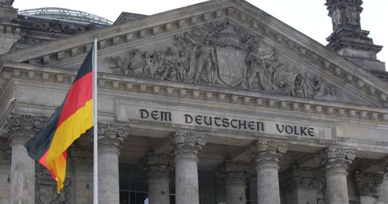 Γερμανία: Το ΥΠΕΞ υιοθετεί την γνωμοδότηση της Βουλής περί μη νόμιμης συμφωνίας Ερντογάν – Σάρατζ | tovima.gr